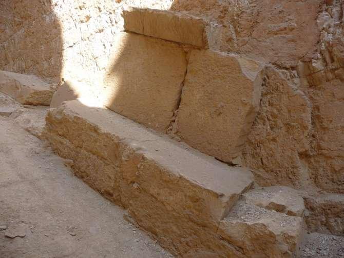 piramide_dyedefre_045-579