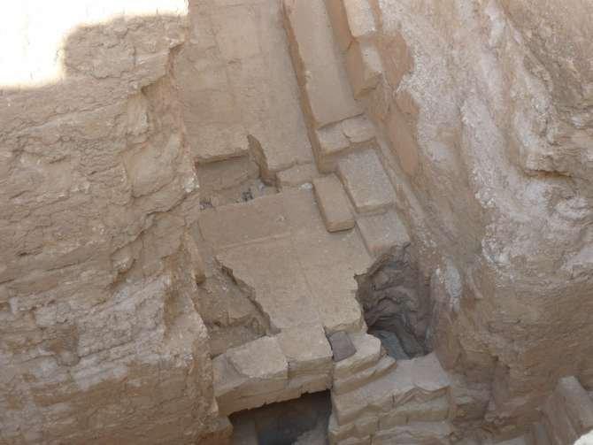 piramide_dyedefre_064-573