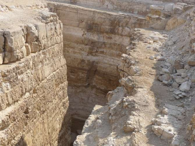piramide_dyedefre_089-614