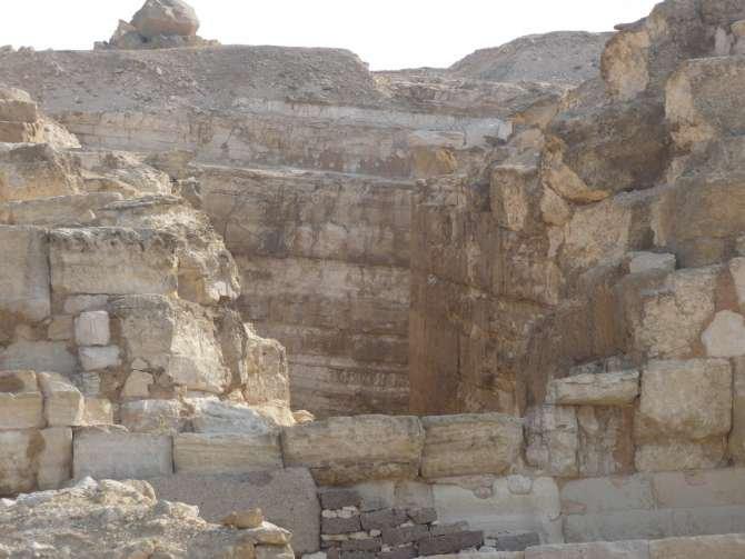 piramide_dyedefre_113-610