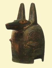 Máscara de Anubis que portaba el embalsamador