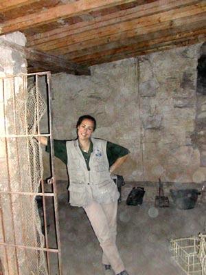 Margarita en el vestíbulo de la tumba de Djehuty