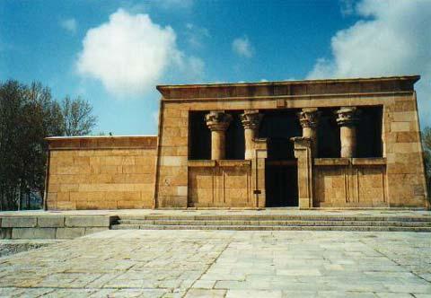 Fachada principal del Templo de Debod (foto: autora)