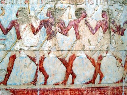 Fig. 7. Relieve del Templo de Deir el Bahari de la reina Hatshepsut. (Foto del autor).
