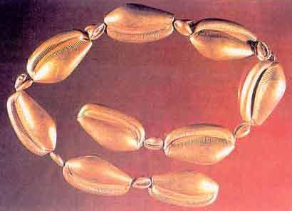 Fig. 17. Cinturón de la reina Meret, dinastía  XII. Museo de El Cairo.