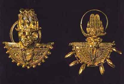 Fig. 18. Anillos en forma de escudo en oro. Pirámide N.6 de Meroe Baja Época.