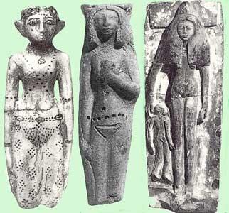Fig. 39. Figuras de fertilidad dedicadas a la diosa Hathor, como ofrendas votivas.