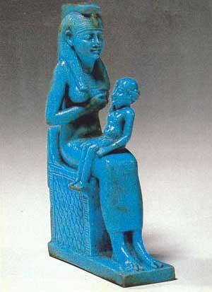 Fig. 44. Isis con su hijo Horus.
