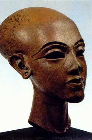 Fig. 67. La princesa Meritatón. Museo de El Cairo.