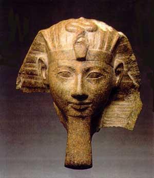 Fig. 80. Cabeza de Hatshepsut.