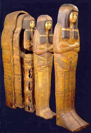 Fig. 87. Sarcófagos de Tamoutnéfret. Cantante de Amón. Dinastía XX. Museo del Louvre.