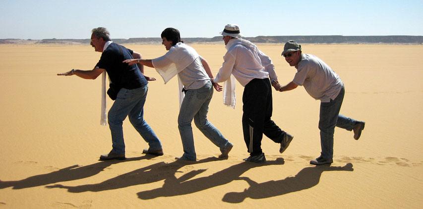 Un poco de humor en el desierto líbico.