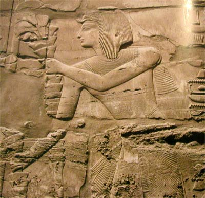 Seti I ofrece un arreglo floral. Templo de Amon?Re. Karnak, XIX dinastía