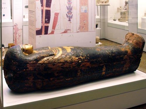 Fig. 16. Sarcófago de Baketamón. Imperio Nuevo.