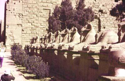 Avenida de esfinges de Amón en el Templo de Karnak