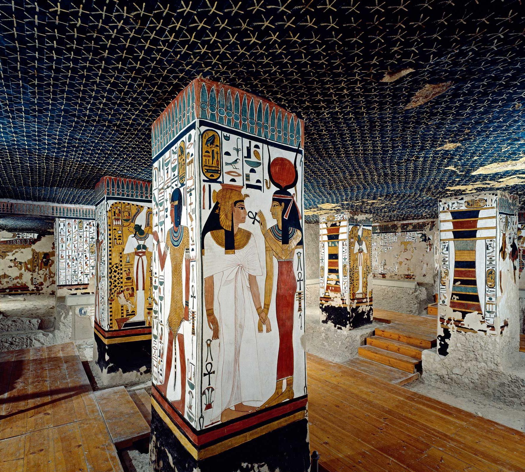 Imagen 5. Techo astronómico en la sala del sarcófago