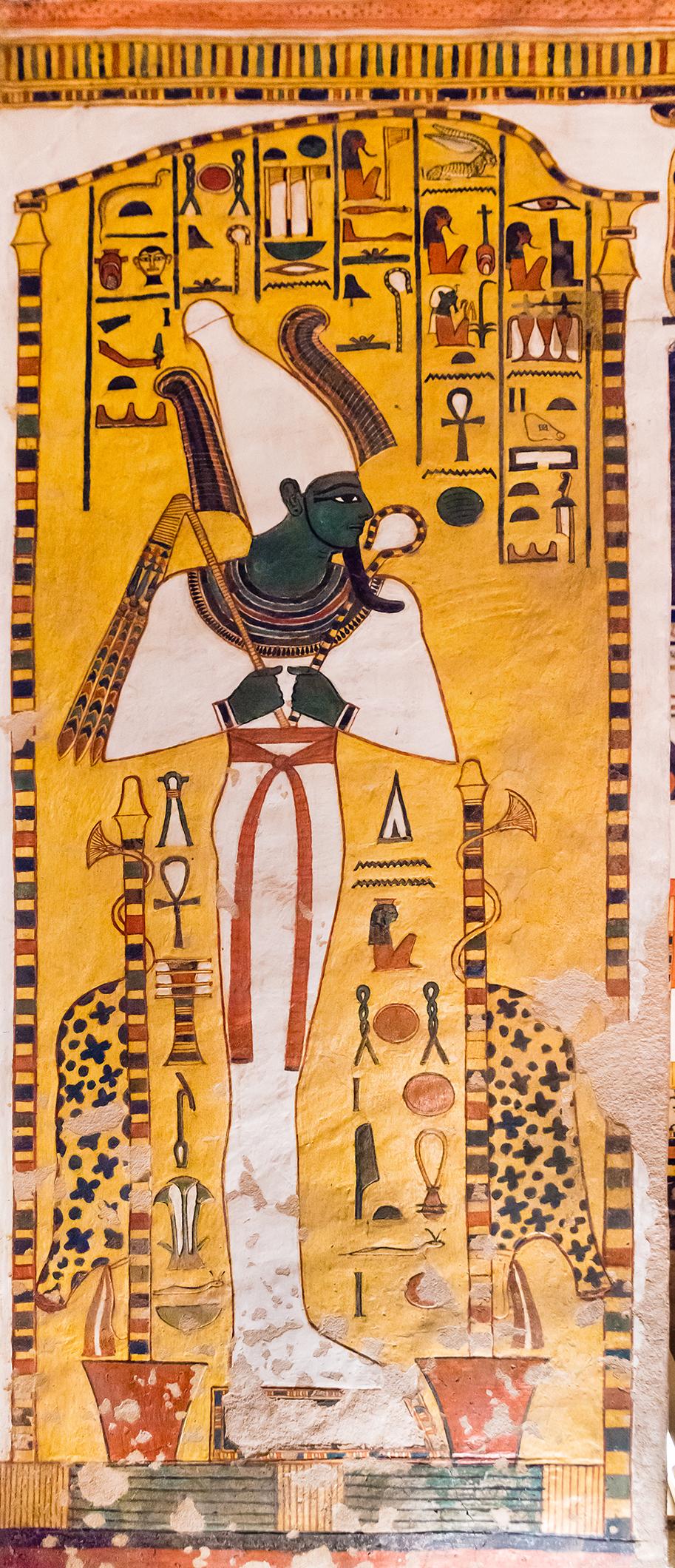 Imagen 4. Osiris en una capilla, muro este