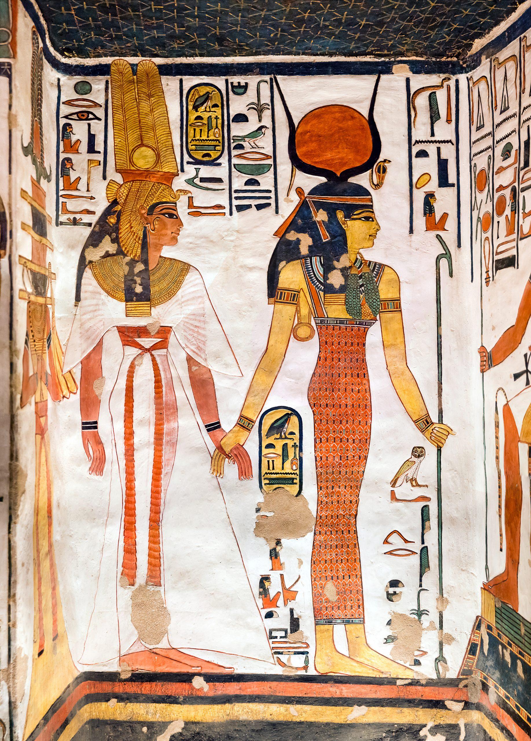Imagen 9. Isis conduce a Nefertari ante el dios Jepri (en la pared contigua)