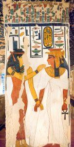 Imagen 14, Isis da la vida a Nefertari, pilar 4, cara norte