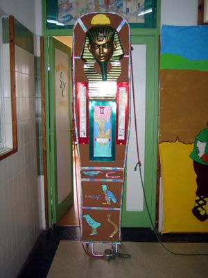 El sarcófago del faraón ya está preparado para el paseo procesional