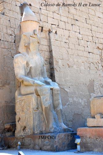 Coloso de Ramsés II en Luxor