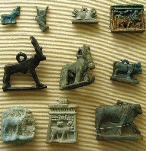 Dioses y diosas con aspecto animal o antropomorfo